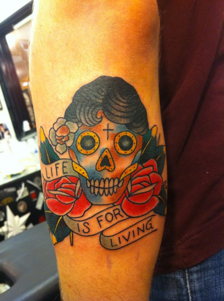 rose med blonder tatovering
